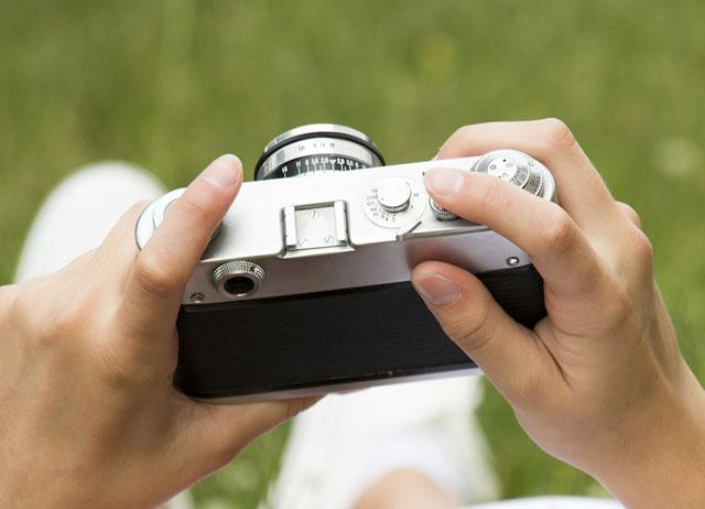 商品撮影を個人のカメラで撮る